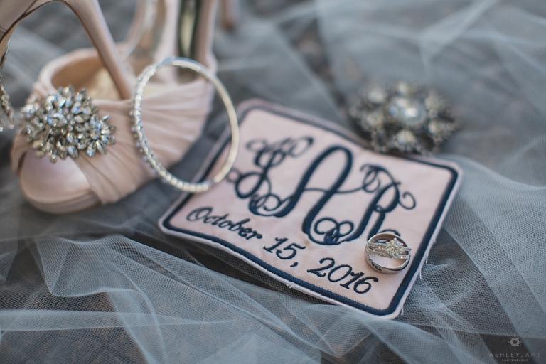 Brides Details on her wedding day