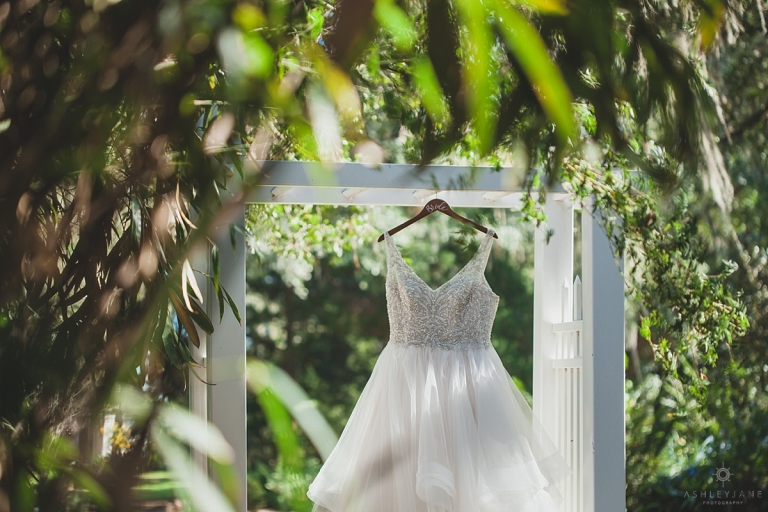 Chic Black & White Bellemoor Plantation Wedding shot by Orlando Wedding Photographer